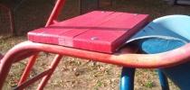i) Ostatné detské prvky - domček so šmýkačkou, prevažovačky, kolotoč, stôl, hojdačka